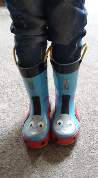 穿上雨鞋任我行